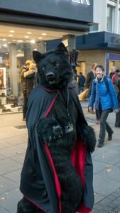 2015-10-31_Stuttgart_Halloween_Fursuit-Walk_2015-10-31_4Stars_P1130951